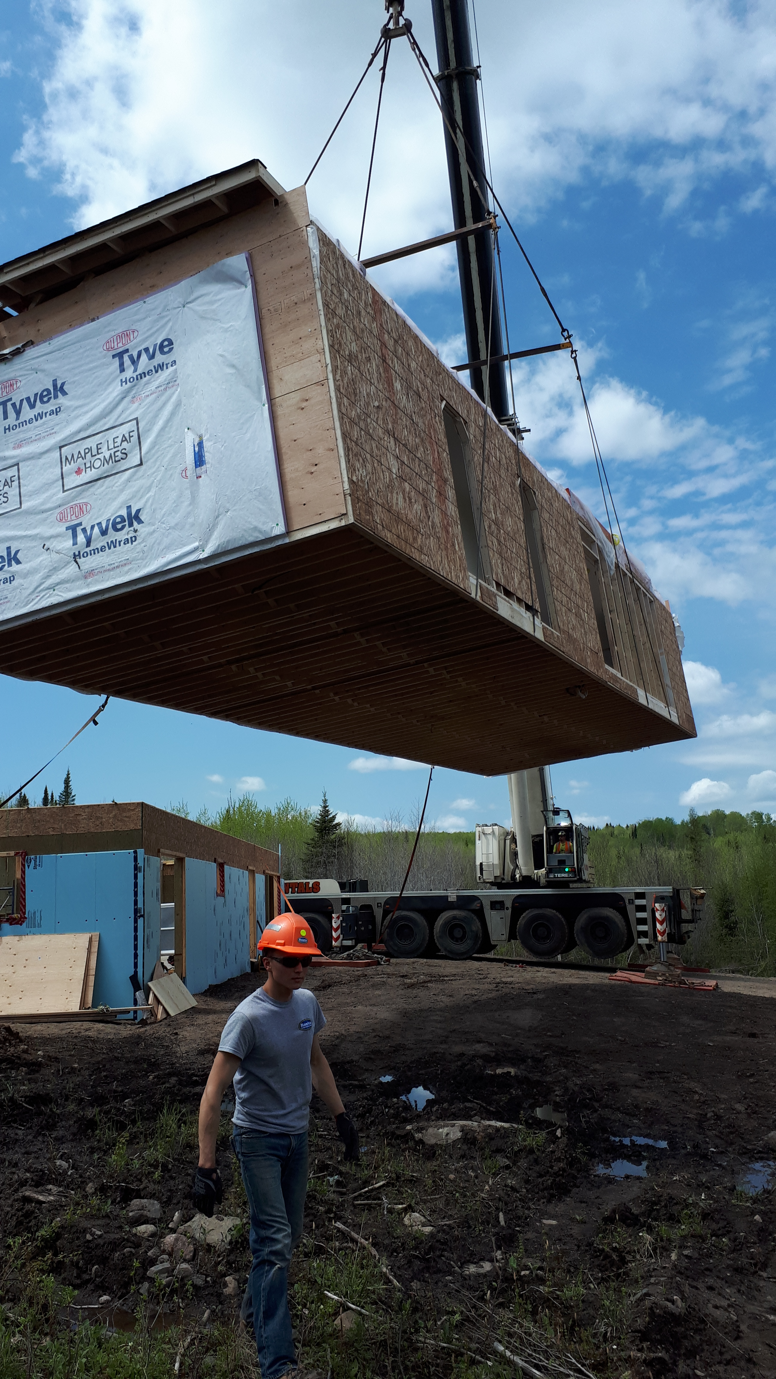 Modular home lifted